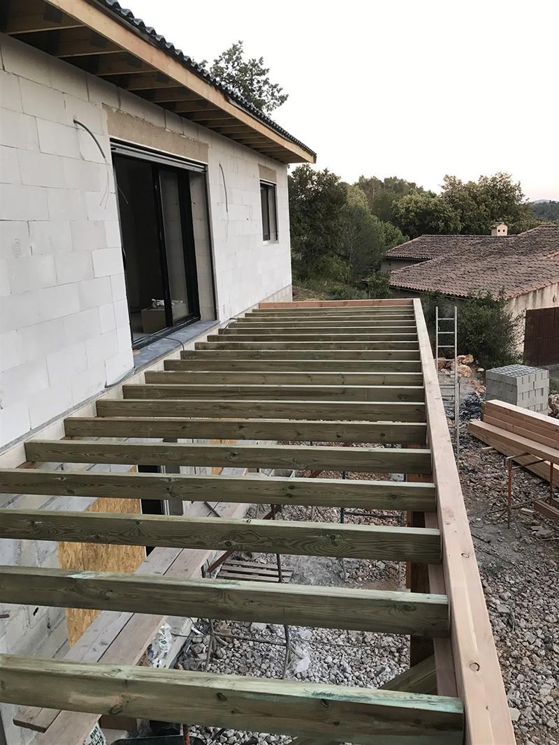 cr ation d un balcon ext rieur en bois itb innovation toit et bois draguignan les arcs. Black Bedroom Furniture Sets. Home Design Ideas